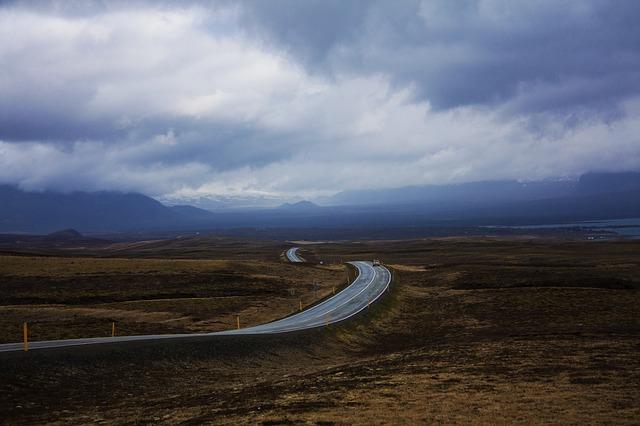 road-63736_640