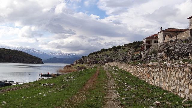 trail-226400_640